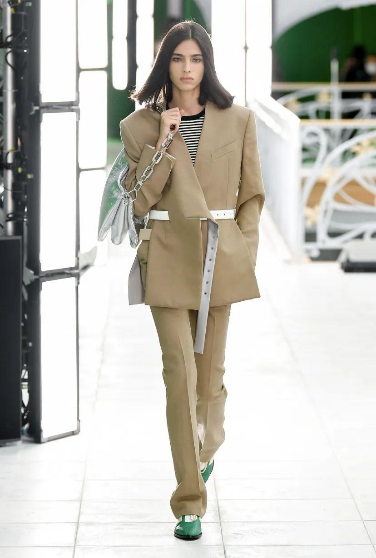 Louis Vuitton 21SS 女裝系列:淡化性別、打破桎梏